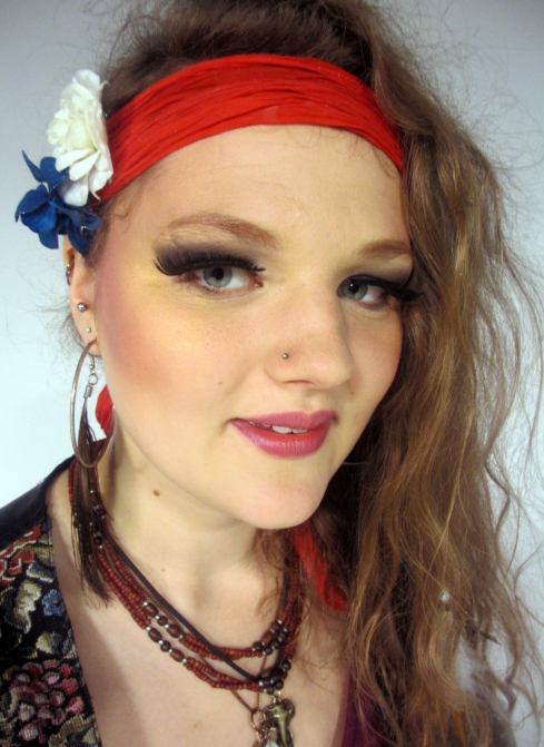 Rowan Thomson - Gypsy inspired makeup.